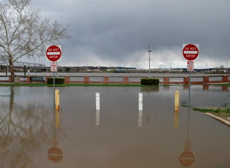 Illinois River Flooding