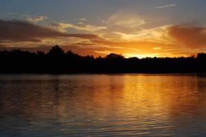 lake-sunset