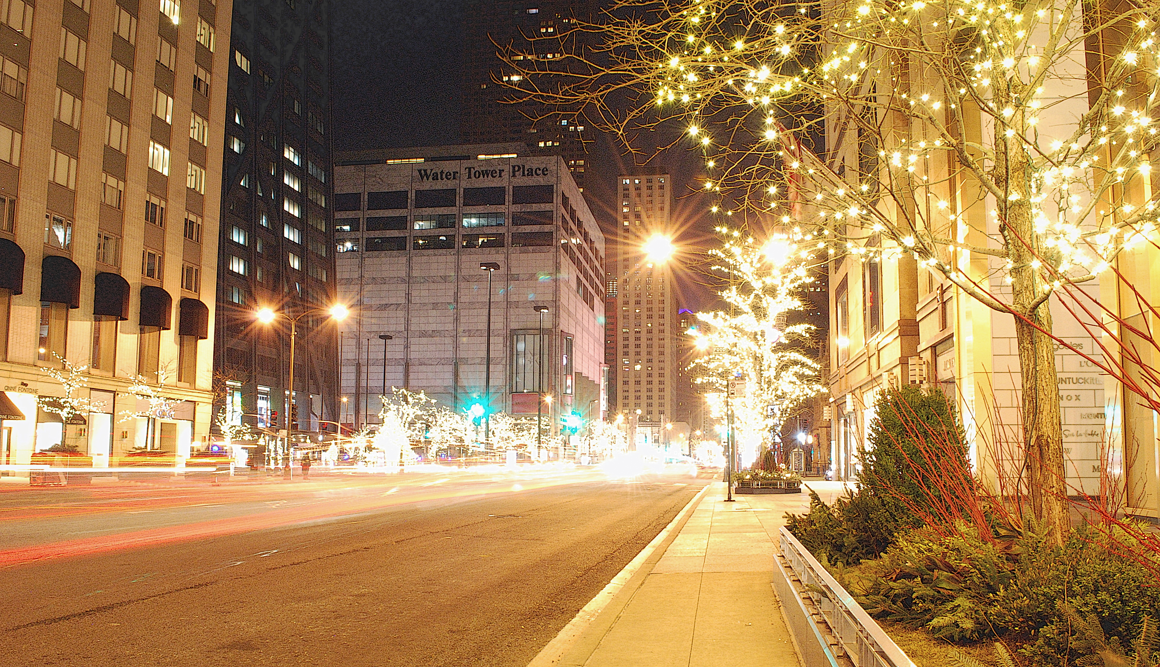 Christmas Magnificent Mile